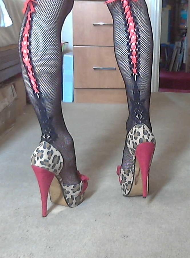 Мои ножки в новых носках